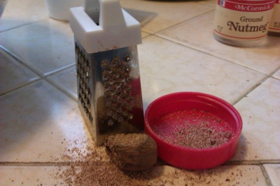 tiny little nutmeg grater