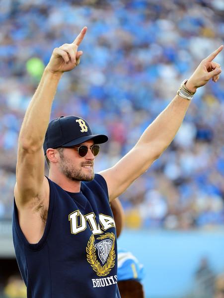 Kevin Love Plays UCLA Cheerleader ⋆ Terez Owens : #1 ...