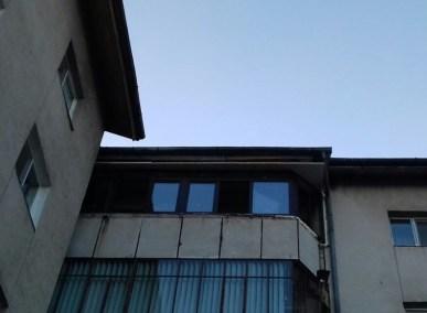 balcon-cu-tamplarie-pvc-Salamander-alba (8)