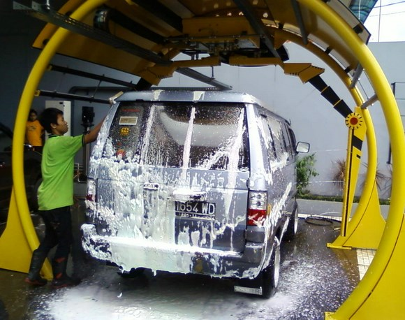 Usaha Cuci Mobil