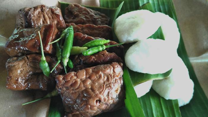 Usaha Makanan Tradisional Jadah Tempe