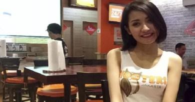 Pramusaji Hooters Jakarta Cerita Mengenai Pekerjaannya