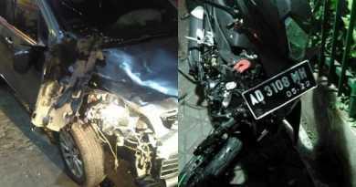 Video Viral Kecelakaan Motor terpental Setelah Tabrak Mobil di Jalan Gajah Mada Solo