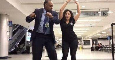 Ketinggalan Pesawat, Cewek Ini Joget Semalam Suntuk di Bandara