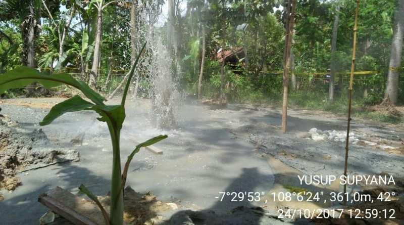 Viral Video Semburan Lumpur Panas Muncul di Tasikmalaya