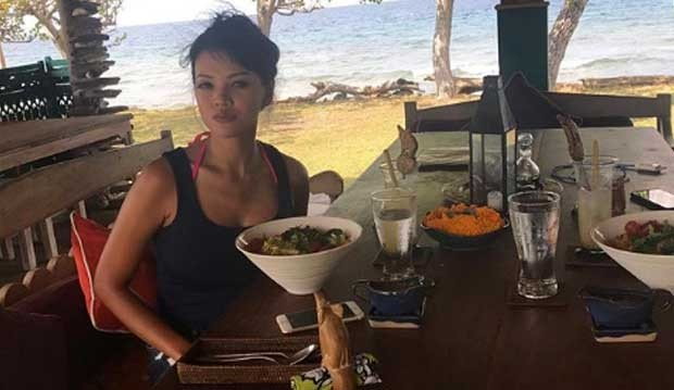Esktrem, Farah Quinn Makan Malam Sperma Ikan