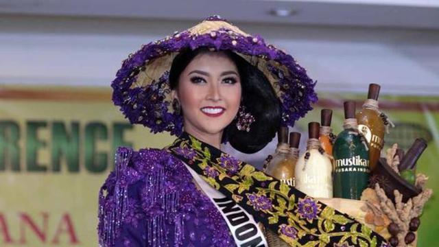 Netizen Salfok, Kevin Lilliana Upload Video Kontes Baju Renang
