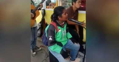 Driver GOJEK di Pekanbaru yang Memiliki Suara Merdu