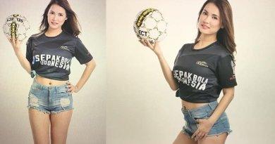 Heboh, Maria Ozawa Kenakan T-Shirt Bertuliskan Sepakbola Indonesia
