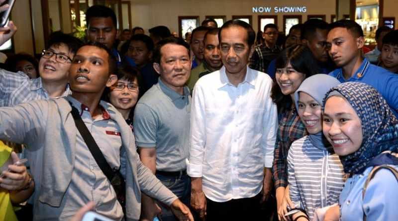 Reaksi Pemain, Setelah Jokowi Menyempatkan Diri Menonton Film Dilan 1990