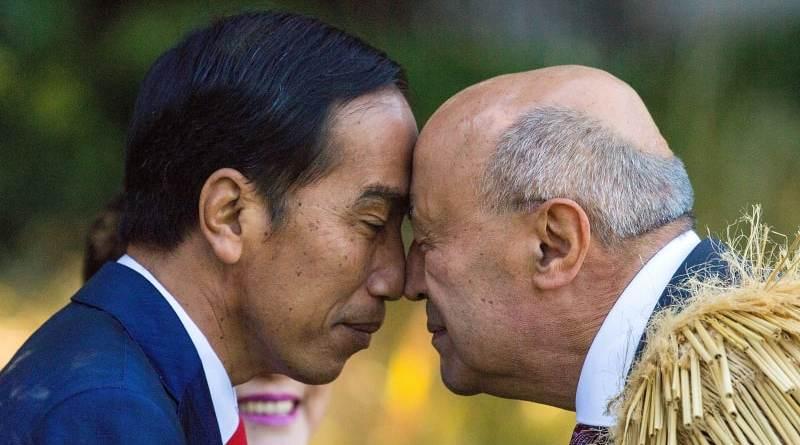 Tradisi Hongi, Jokowi Lakukan Salam Tempel Hidung Khas Maori