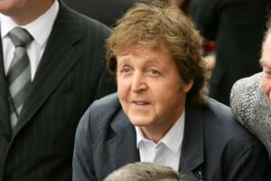 Paul McCartney ar fi murit