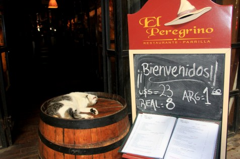 Restaurante El Peregrino e seu ilustre recepcionista