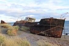 Vapor Amadeo, navio abandonado em frente à San Gregório, foi declarado monumento nacional em 1972