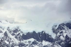 Muito gelo acumulado nos picos das montanhas