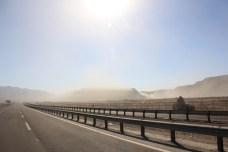 Tempestade de areia na estrada