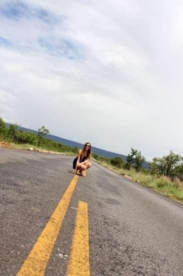 ...E tirar uma foto nas estradas desertas da região