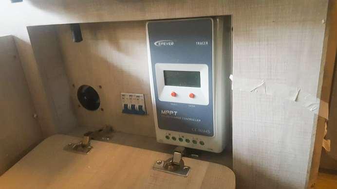 O controlador de Carga que converte a energia solar em energia elétrica