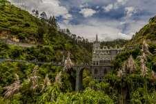 Cada ângulo, uma nova surpresa da Igreja de Las Lajas