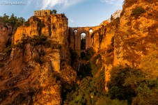 A ponte que liga a cidade de Ronda.