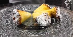 Cornete de bizcocho con yema
