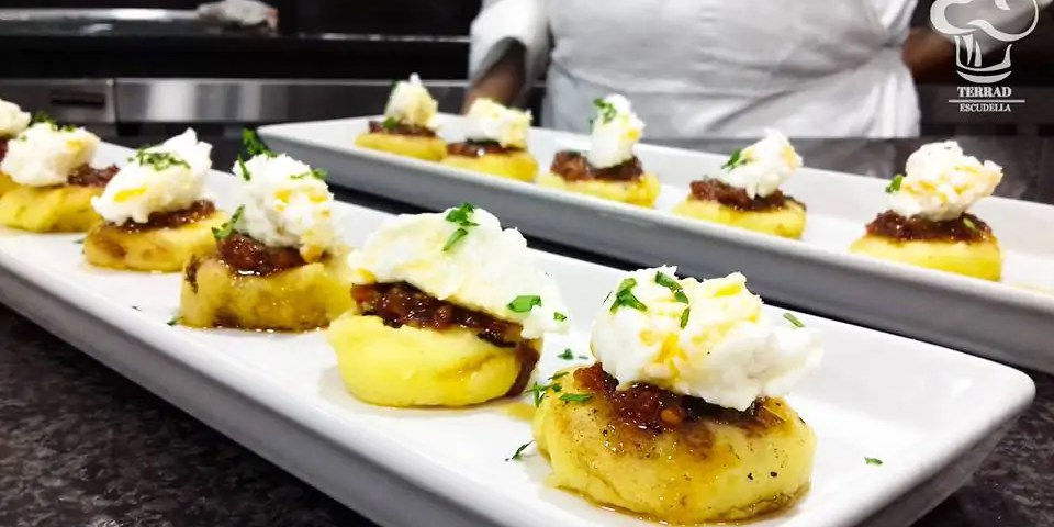 Blinis de patata con brandada de merluza
