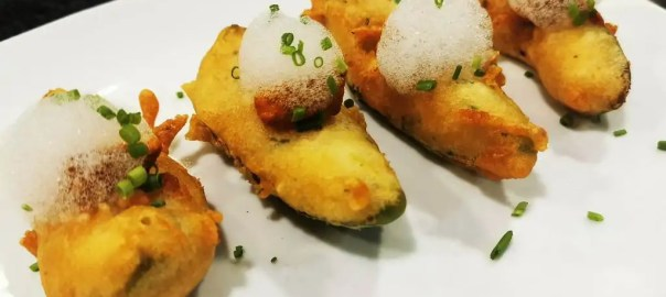Receta de tempura de aguacate con romesco picante