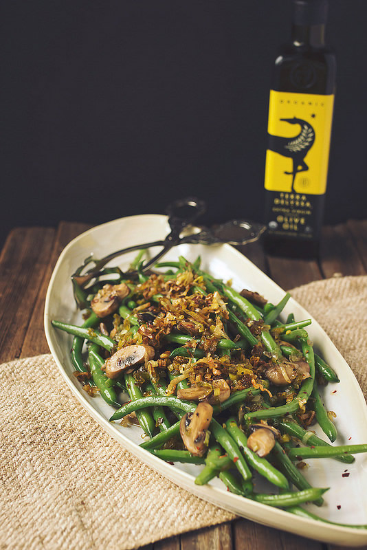 sauteed green beans with mushrooms and leek