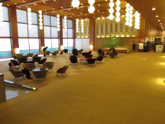 Lobby area of the Okura. Elegant to say the least