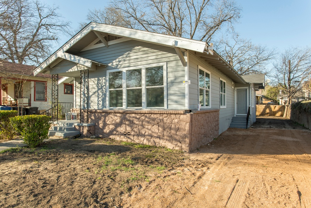 Image for 1115 W Russell Pl, San Antonio, TX 78201