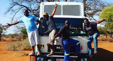 Safaris en camión en grupos reducidos con guía Terres Llunyanes