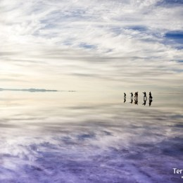 Caminar por el Salar de Uyuni
