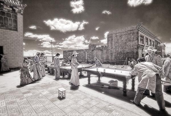 kham playing pool