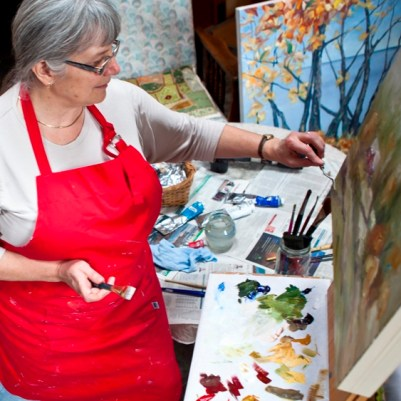 Terrill Welch painting in her studio by Allison Mullally _MG_5876