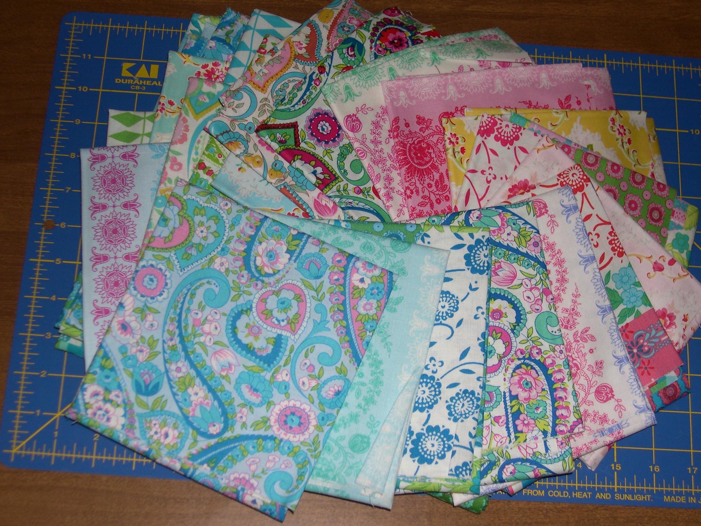 fabrics for zigzag quilt along