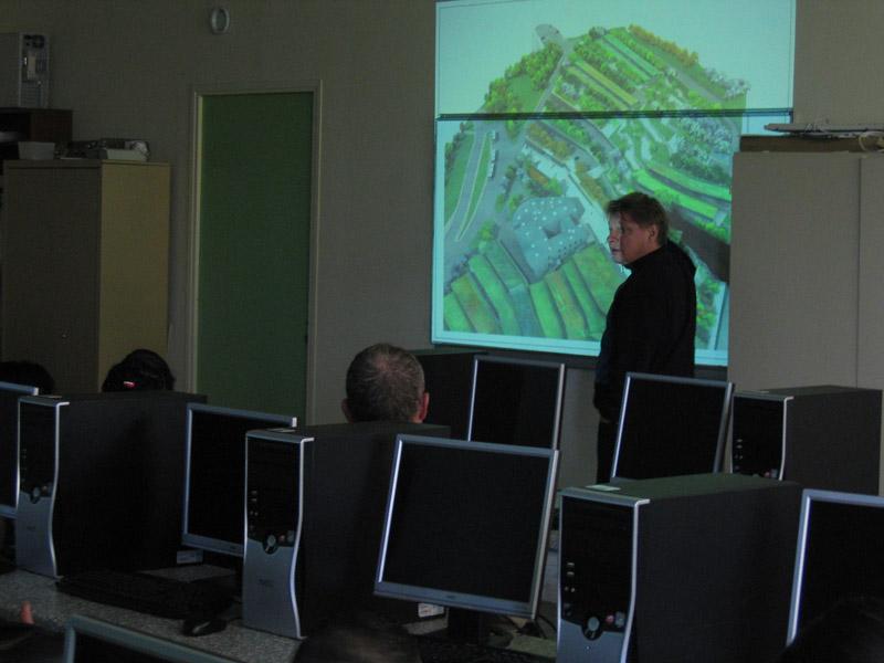 Duncan Lewis présente son projet architectural aux élèves