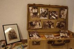 Fotografías en maletas, recuerdos, viajes, personas