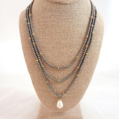 Hemitite Necklace with Pearl Pendant