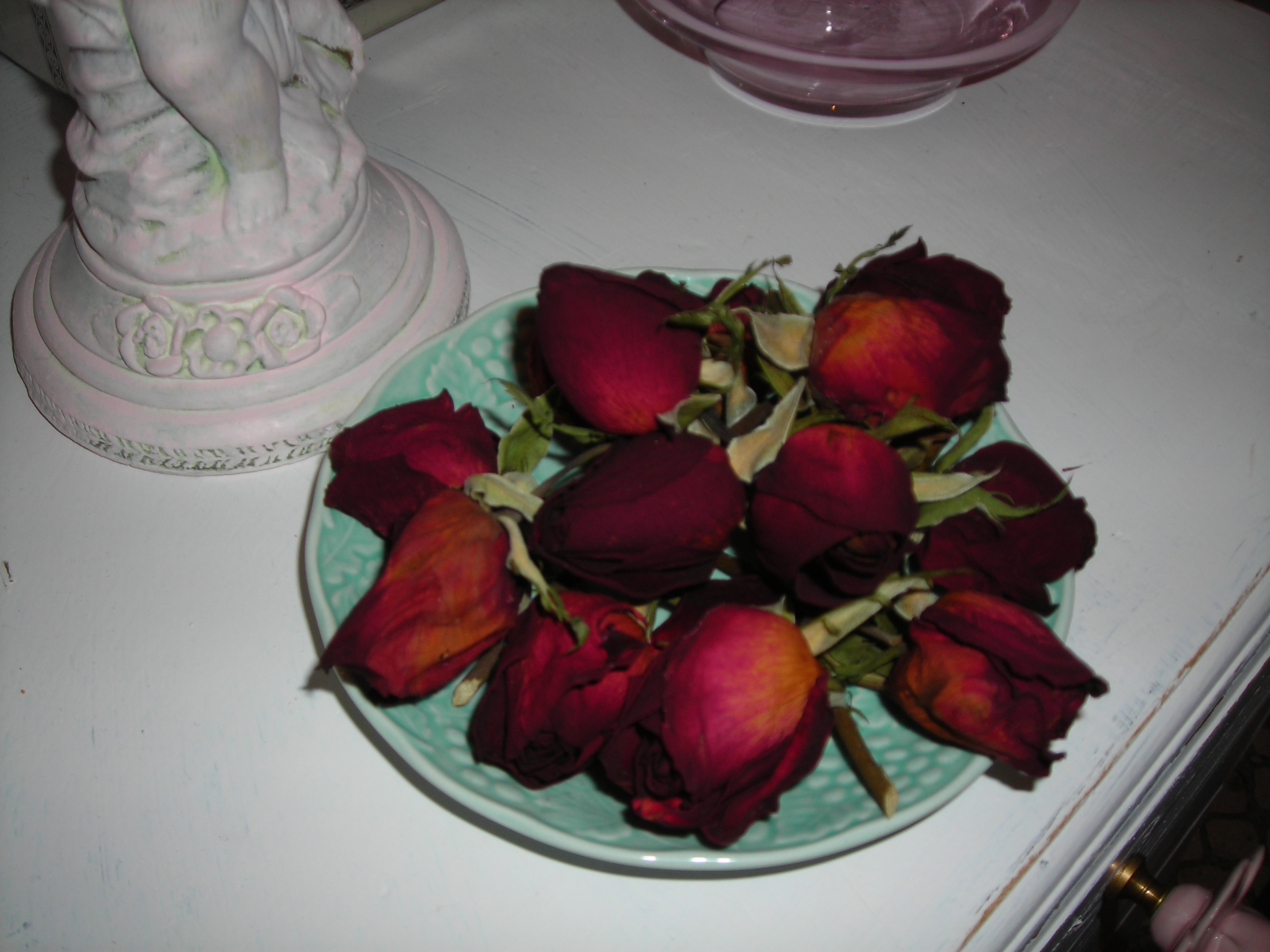 Pretty rosebuds that I dried ... and forgot about till a couple of weeks ago!