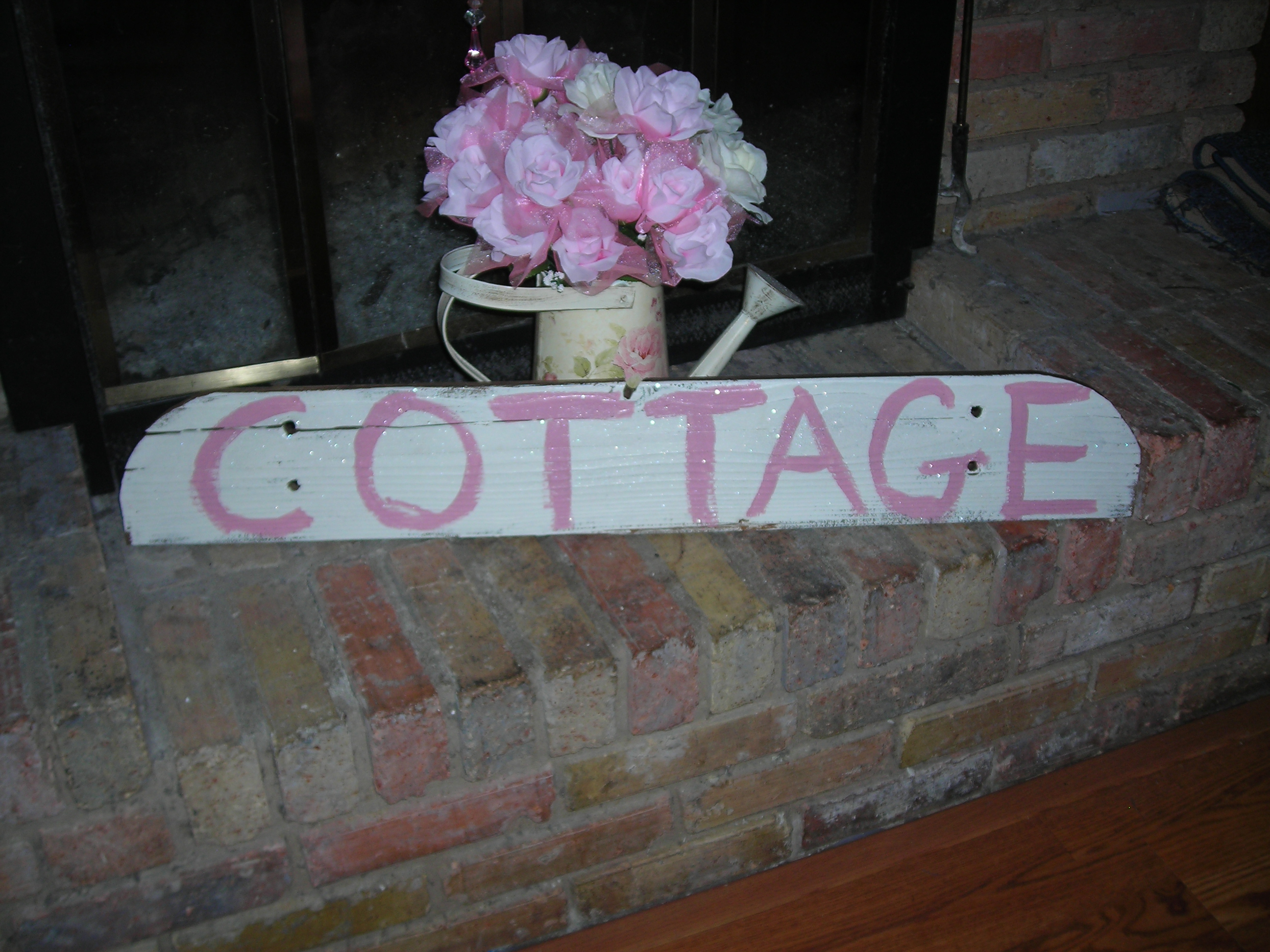Sweet cottage sign from Sue's