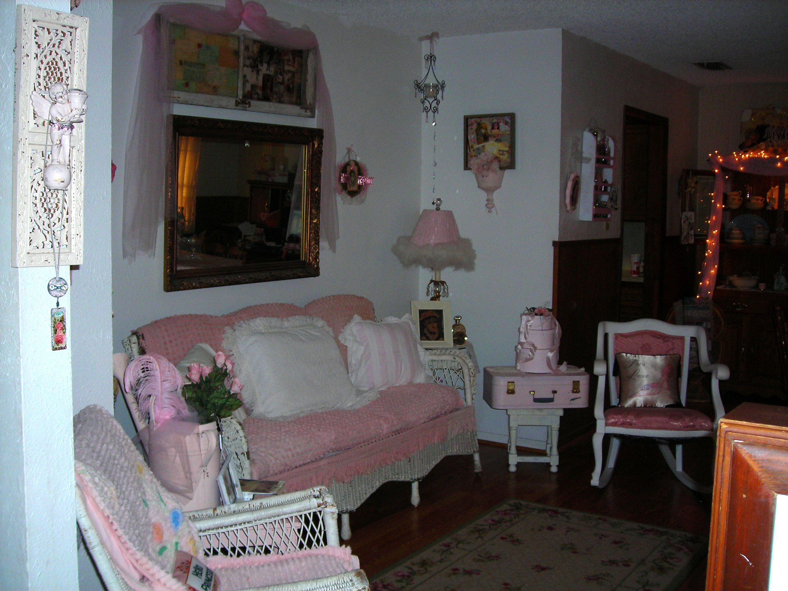 how i incorporated that great wicker sofa and rocker (see previous blog) into my front living room