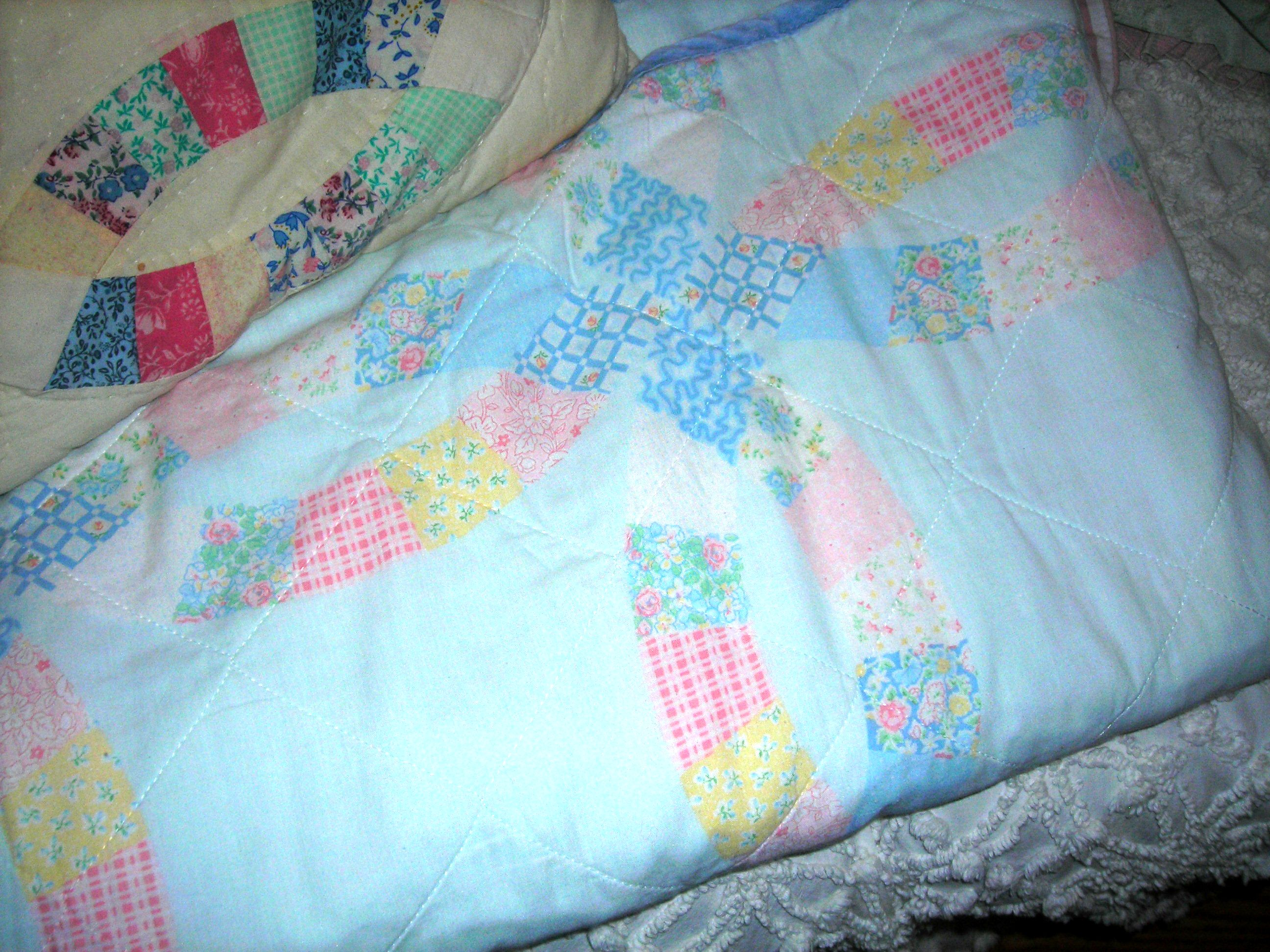 love this precious old quilt (thanks again, bon!)
