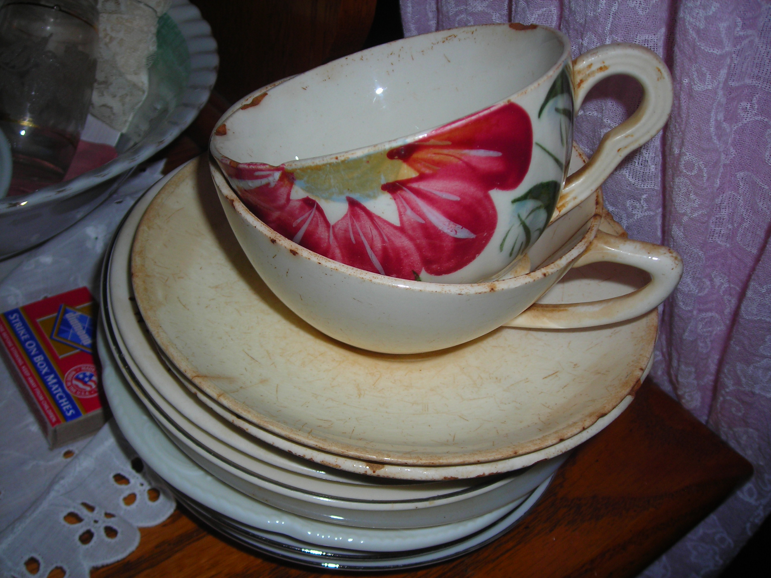 like these precious vintage cups and saucers