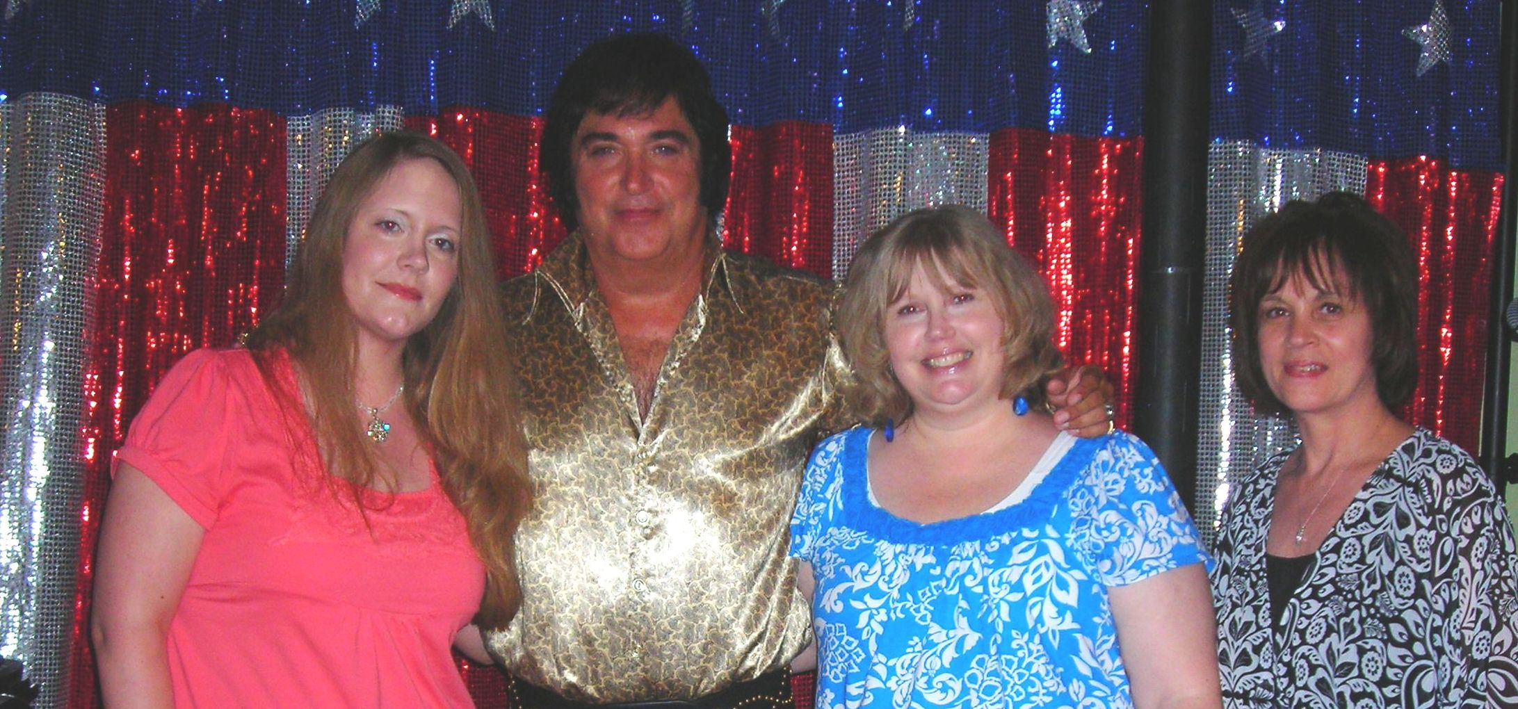after the show ... a little closeup time with elvis