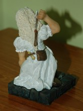 Clarecraft figurine   Source: terrypratchettbooks.com/community