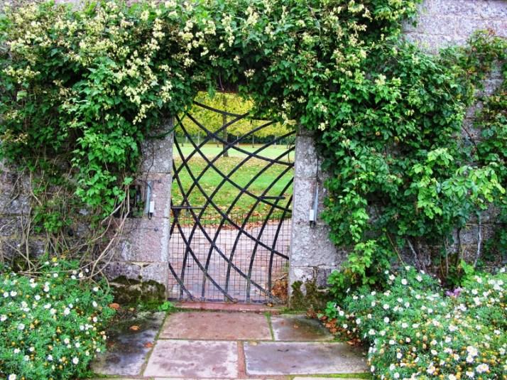 Castle garden Scotland (2) (800x600)