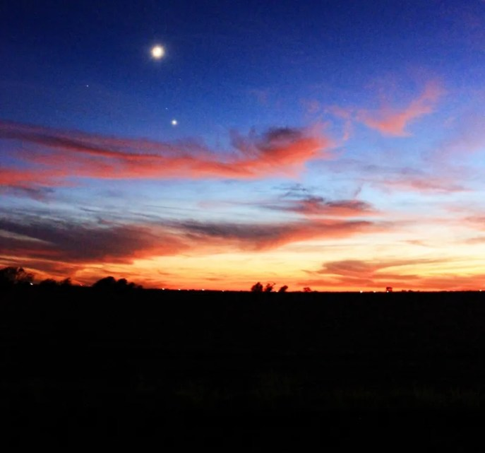 Oct sunset, moon, north star (800x748)