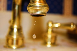 running water 015 (800x533) gold