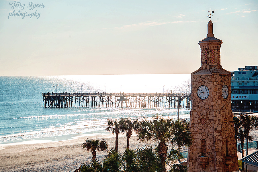 Daytona Beach clock 900 007