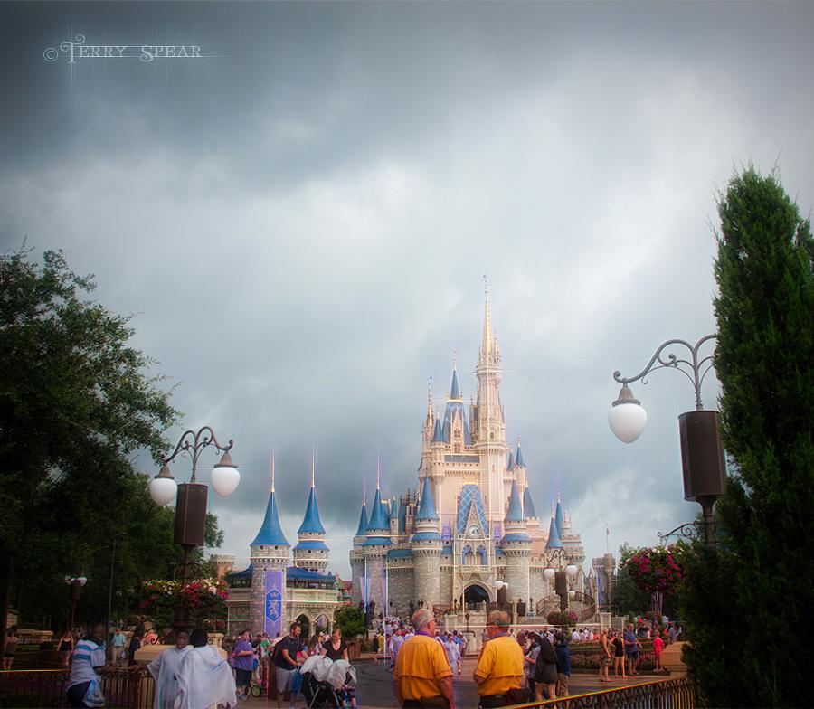 Castle Magic Kingdom stormy day Orlando Disney 900 brilliance RWA 2017 3834